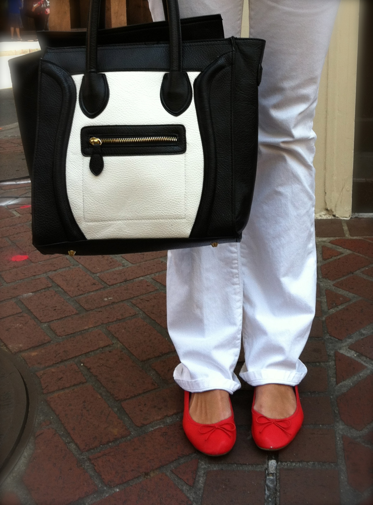 yves saint laurent tote bag - celine look alike purse | Lucky Girl Finds